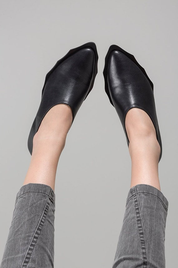 Women Black Leather Shoes Pointy Shoes