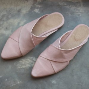 Black Leather Flat Shoes Flats Slip On Style Women Handmade Pointy-Toe Sandals ON SALE Women/'s Slides Open Back Summer Shoes