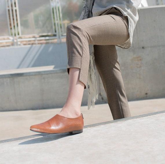 Tan Brown Cuir Flats, Chaussures faites sur mesure pour femmes, Chaussures élégantes, Chaussures habillées, Pains Brun, Chaussures de bureau