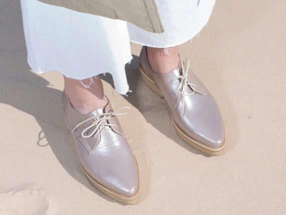 Metallic Leather Pointed Shoes, Comfortable Fashion Shoes, Modern Designer  Shoes, Flat Platform Shoes