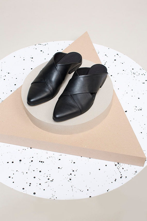 Leather Flats Black Slides Casual Mules Mules Shoes Slip Ons Mules Leather Flats Flat Sandals Pointed Women Shoes Mules Toe fwxCUqf