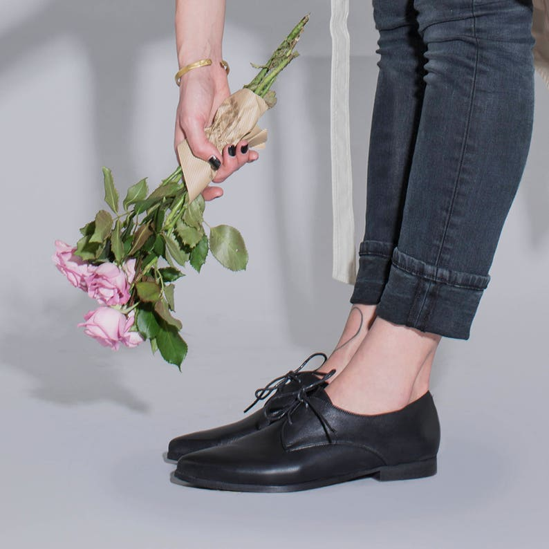 2503275dd82d Black Leather Shoes Classic Oxfords Women Oxfords