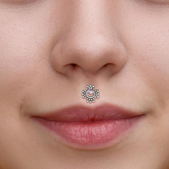 Medusa Jewelry Surgical Steel Lip Piercing Internally Threaded Labret Stud Monroe Earring with CZ