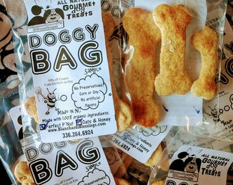 Doggie Bags! All Natural, 100% Organic, Gourmet Dog Treats. Made to order in North Carolina. Sample Bags