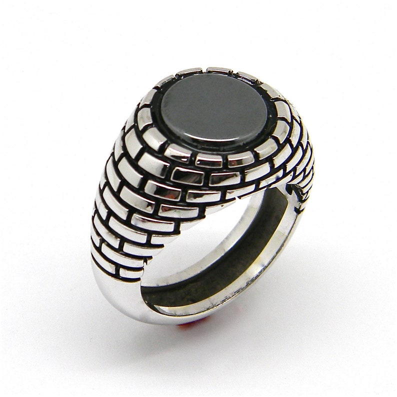 Large silver 925 signet ring,12 mm hematite disk,brick wall enamel,large size,chevaliere homme,pattern ring,gypsy ring,the wall