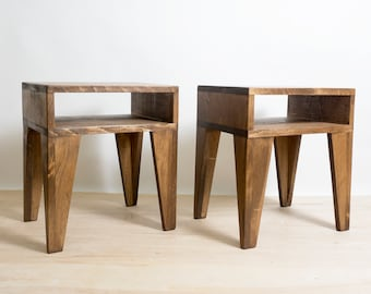 Pair of Nightstands, Set of 2 Tables, Solid Wood Tables with Tapered Legs, Bedside Table, Accent Table, Plant Stand, End Table - Walnut