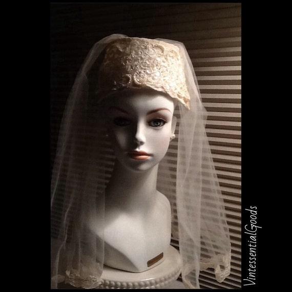 Vtg Cream Bridal Wedding Crown / Veil / Headpiece