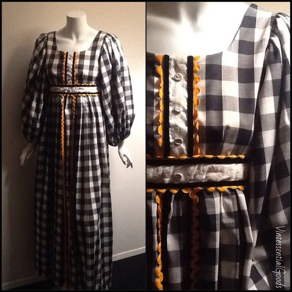 Vintage Gingham Dress / Checkered Dress / Black an