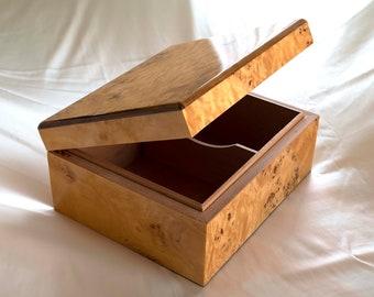 50 ct. Best Quality Piano Finish Handmade Wood Humidor Burlwood Veneer