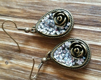 Fun Sparkly Bronze Earrings with Roses, Teardrop