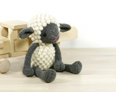 PATTERN Sheep - Amigurumi lamb - Crochet tutorial with photos - English and Danish (EN-052)