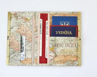 Diva wallet frame Womens wallet phone case Metal frame travel wallet organizer Family travel holder World map print Gift for traveller