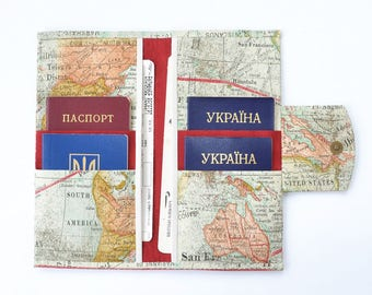 World map wallet etsy family travel wallet 4 6 8 10 passport case family passport holder family gumiabroncs Images