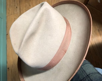 d96d391fbdca46 Vintage Stetson Cowboy Hat ~ Open Road Style ~ Photo Shows Size