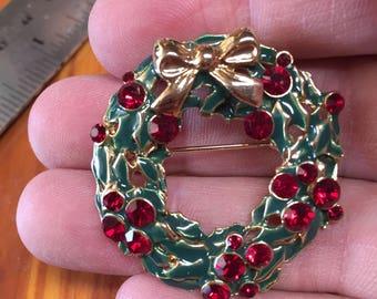 Vintage Christmas Wreath ~ Pin ~ Brooch