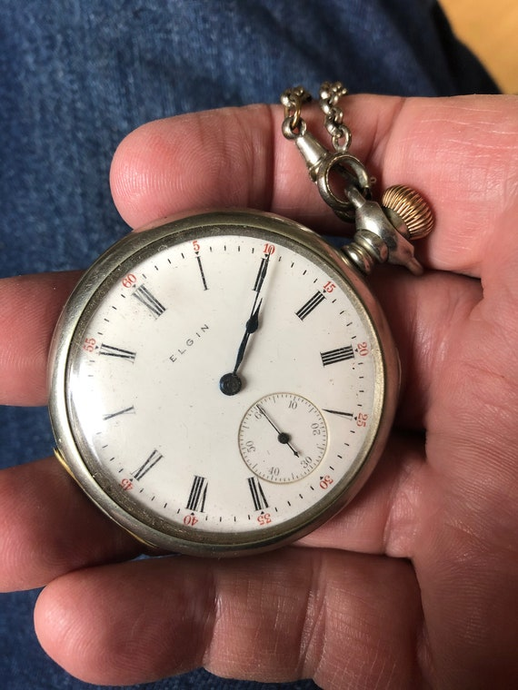 Pocket Watch ~ Does NOT Run ~ Parts Watch