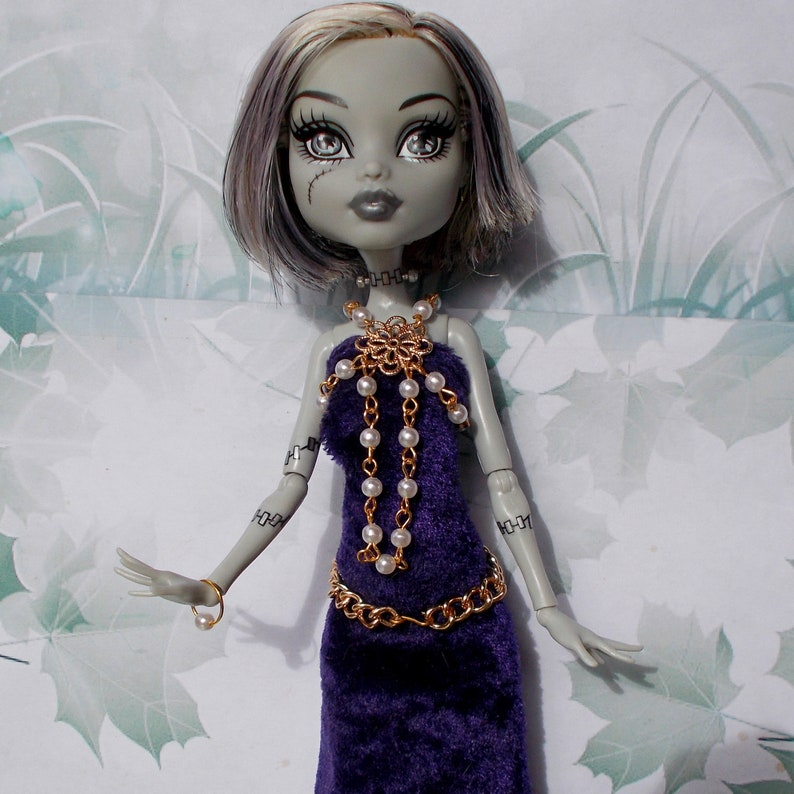 JEWELRY BARBIE CHINESE EMPRESS  DOLL GREEN /& GOLD BEADED NECKLACE ACCESSORY ITEM