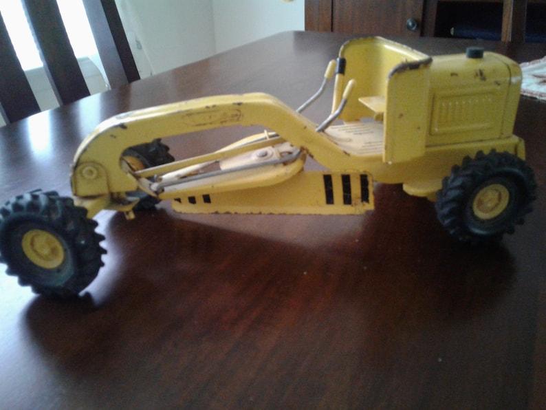 1960/'s Tonka Metal Road Grader Truck; Vintage Construction Equipment Model Toy Sandbox Fun Earth Mover Vehicle