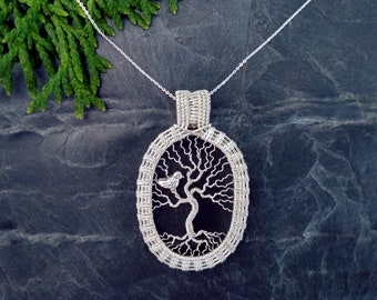 Cute little bird in tree of life    Pendant necklace Yggdrasil    Sterling silver    4.8 cm    Chain up to 50 cm    Tree trailer