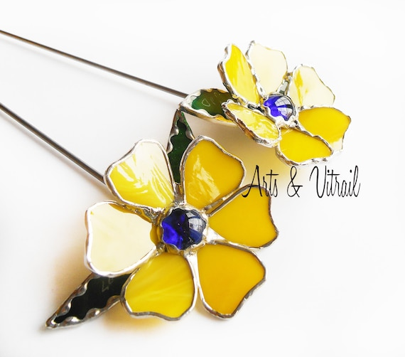 """Stained glass flower on metal rod for plant or garden, 10 """"(25.5 cm) or 17"""" (48 cm), several colors"""