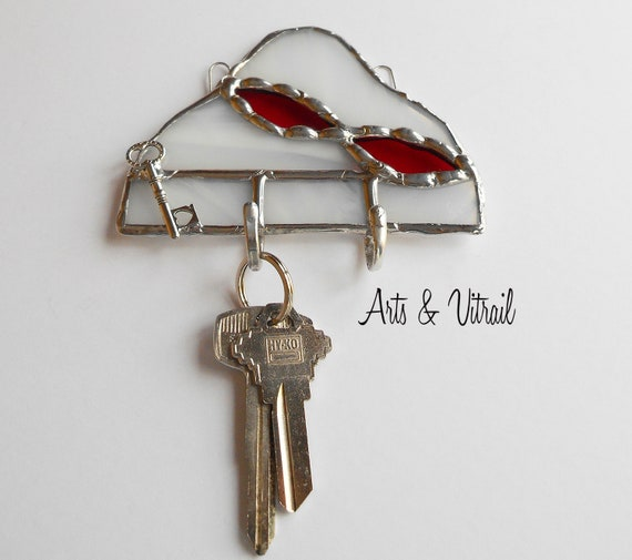 Key Holder for Wall, White and Red Stained Glass Wall Key Ring, Wall Decoration, Mail Organizer, Ideal Gift for Housewarming