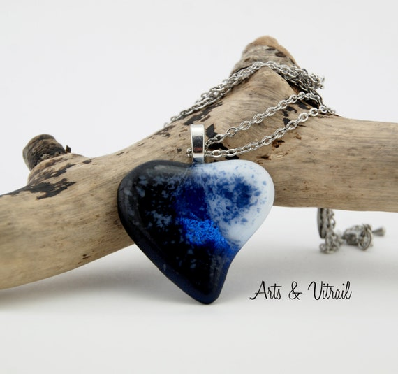 Heart Necklace in Black, Blue and White Glass, Gift Mom for Mothers'Day, Stainless Steel Chain