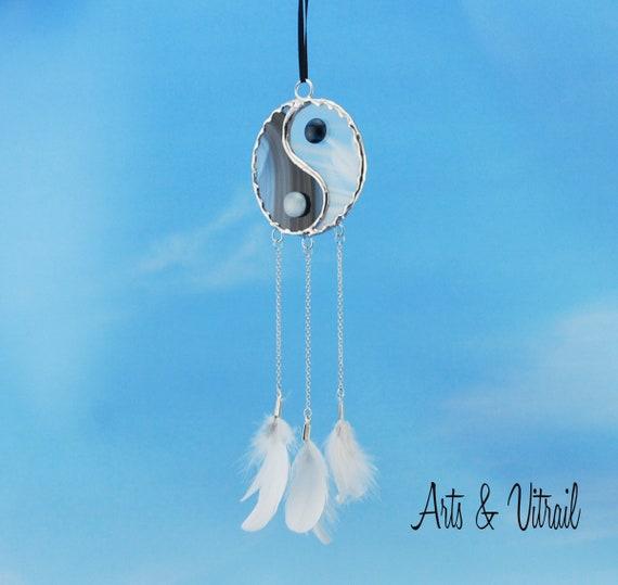 "Sensor of Dream Stained Glass, Yin Yang White and Black, 3.75 "" (7.25cm) diameter, Partridge Feathers, Suncatcher, Suncatcher"