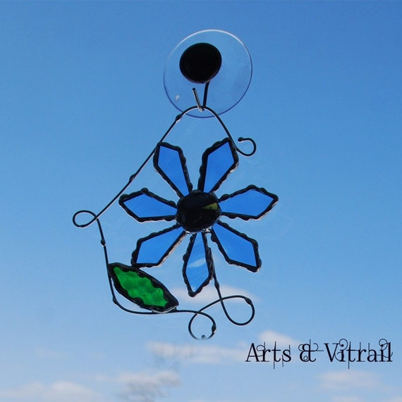 Stained Glass Daisy, Suncatcher, Glass Flower, More Colors, with Glass Cabochon, gift idea for daisies lovers
