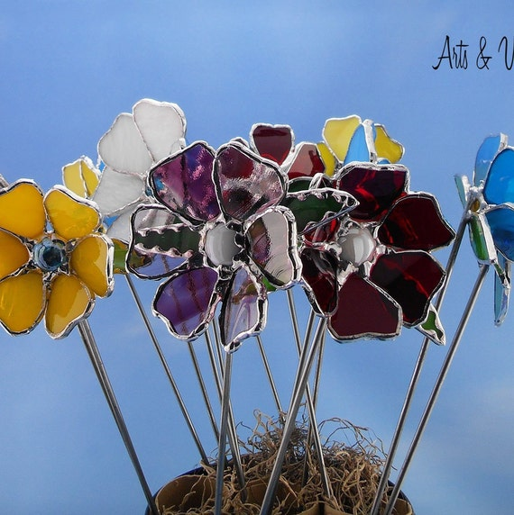 "Stained glass flower on metal rod for plant or garden, 10 ""(25.5 cm) or 17"" (48 cm), several colors available"