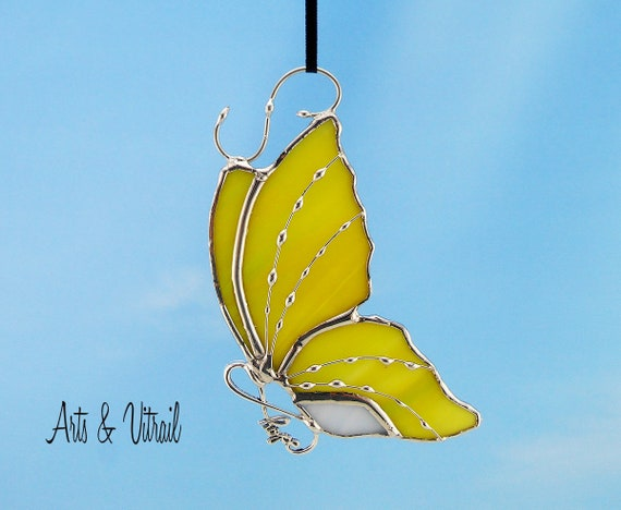 "Stained Glass Butterfly Yellow and White Suncatcher - Body INFINITY Love, Hope, BestFriends or Live Love Laugh - 5 ""x 3"" (12 x 7 cm)"