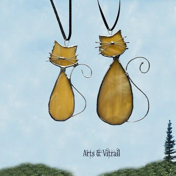 """Chats amoureux, ce couple de la famille """"Ambre"""" portent les noms de MADAME et MONSIEUR, décoration de fenêtre ou de miroir"""