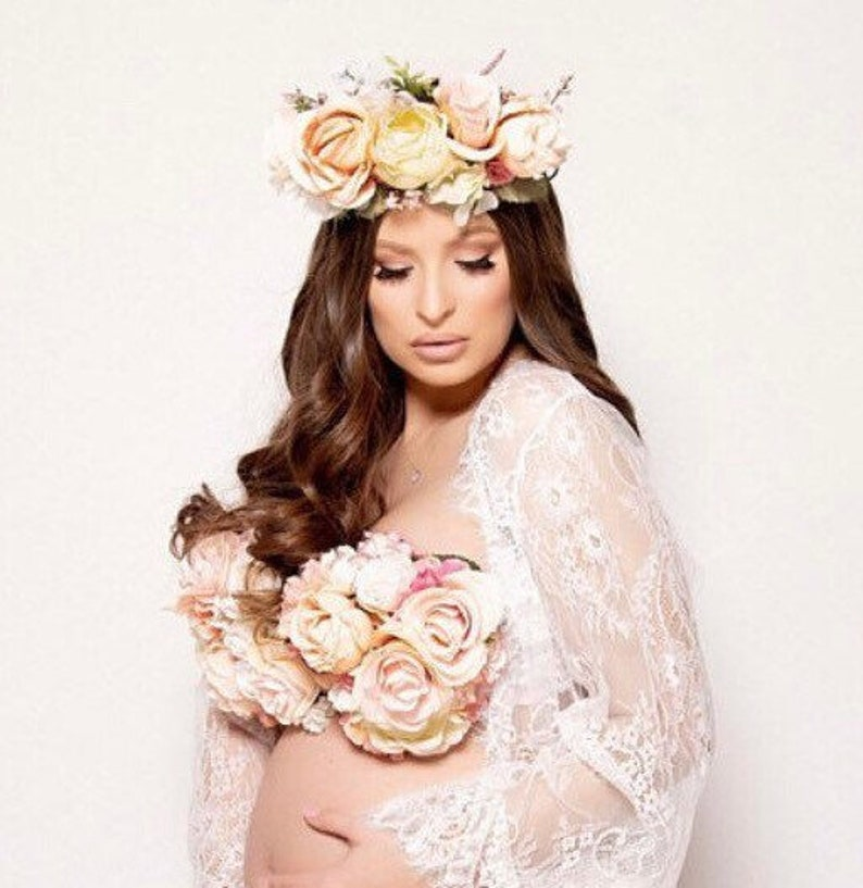 96fbe2476 Floral Maternity Bra and Crown Pregnancy Photos Maternity