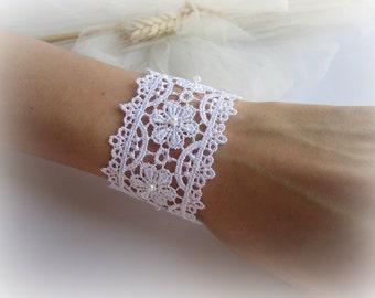 Lace bracelet white flowers lace bracelet bridesmaid floral lace cuff bracelet bridal lace bracelet gift for her wedding jewelry