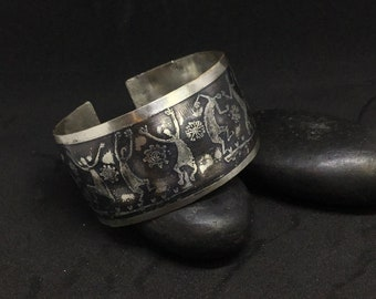 Dancing ladies silver cuff