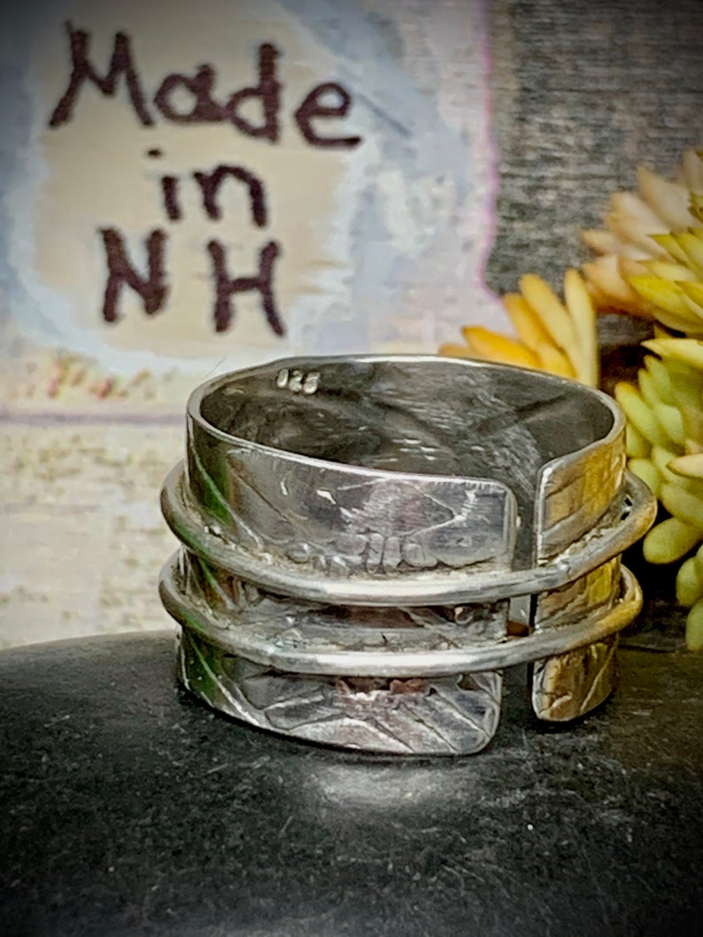 Sterling Silver Ring w Attached Spinners and Patterned Wide Band