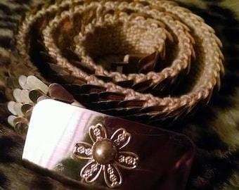 Vintage Gold Stretchy Belt w/ Flower Buckle * Retro *
