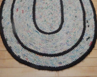 Oval Rag Rug - Vintage 1950s / 1960s Black Border Oval Rug Made from Soft Color Rags - Woven Rag Rug - Country Cottage / Farmhouse Decor