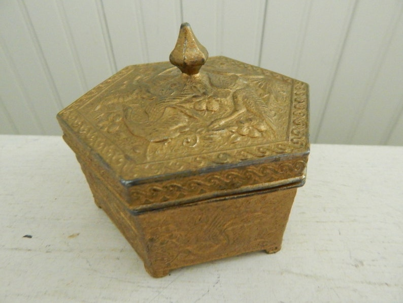 Brass Whatnot Trinket Jewelry Covered Box Brass Box Decorated with Birds and Cranes Six-Sided Vintage Brass Ring Jewelry Box with Cover