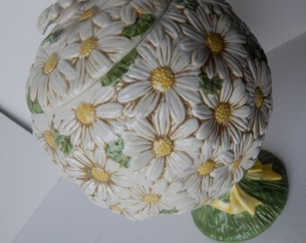 PoppyTrail Daisy Topiary Cookie Jar - 1960's Metlox Pottery of California - Rare Collectible Daisy Floral Cookie Jar - MINT CONDITION