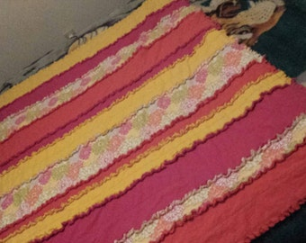 READY TO ORDER Spring Flowers Rag Quilt