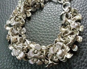 Gorgeous Floral All Plated Silver Dancing Bracelet
