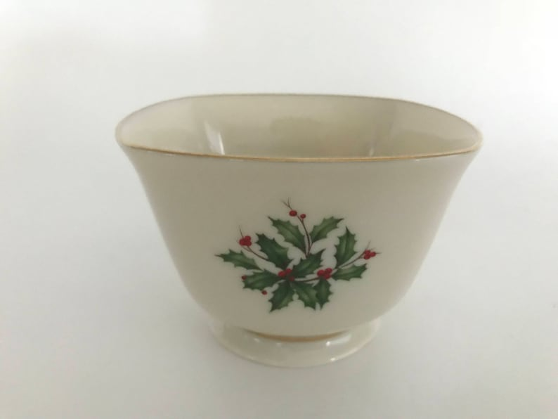 LENOX Square Bowl Lenox Holiday Bowl Holly and Berries image 0