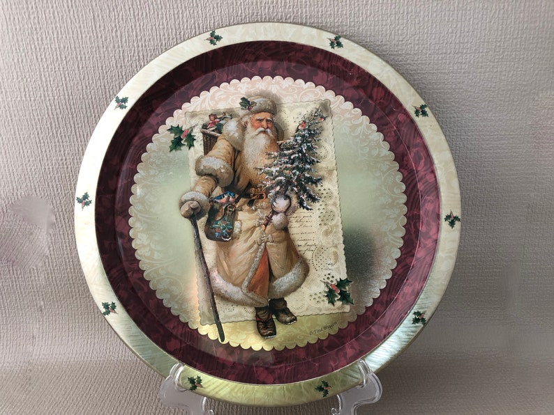 ROUND METAL TRAY Old Fashioned Santa Kitchen Serving Tray image 0