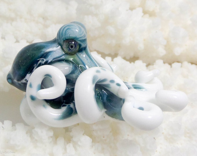 The Winterfell Kracken Collectible Wearable  Boro Glass Octopus Necklace / Sculpture Made to Order
