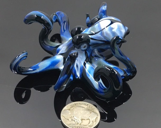 Fade to Black Fish Tank Octo