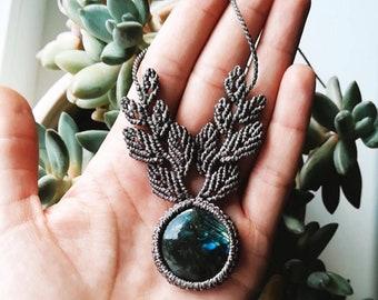 Macrame necklace with Labradorite Gemstone/ Handmade macrame necklace/ Labradorite Gemstone/ Boho jewelry