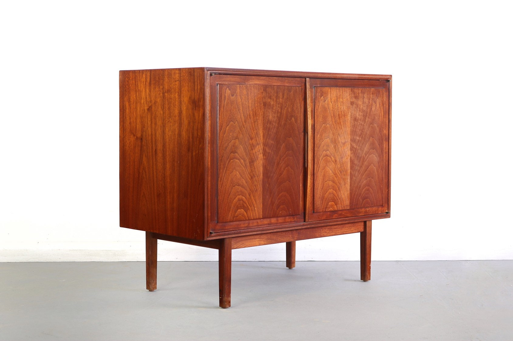 Genial Walnut Low Profile Cabinet/Credenza By Jack Cartwright For   Etsy