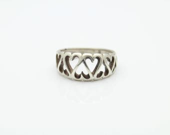 Vintage 1960s Cutout Heart Ring in Sterling Silver Size 6. [11293]