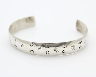 Southwestern Bracelet Flower Stamped Sterling Silver Cuff. [6930]