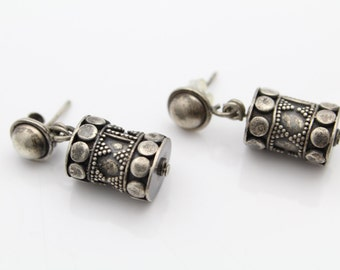 Vintage Tribal Design Sterling Silver Drum Dangle Earrings. [6545]